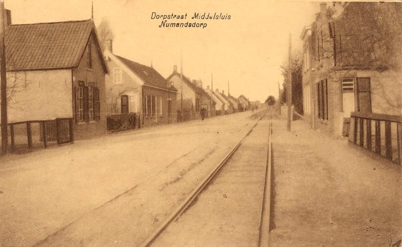 dorpstraat-middelsluis-numansdorp