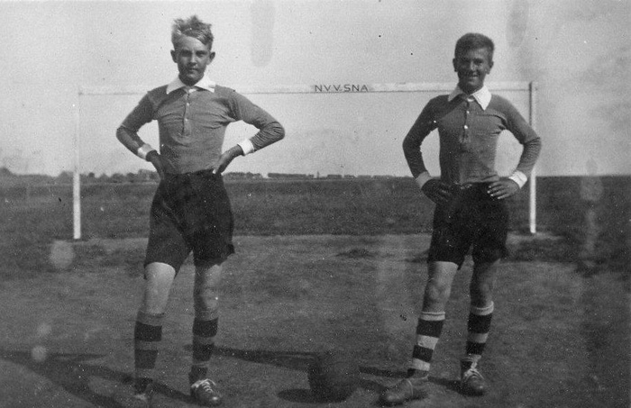 1938-voetbal-nieuwendijk-nvvsna-jotrouw