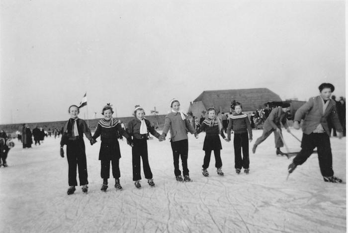 O.L.S. Piershil schaatsen op het Piershilse Gat 1956