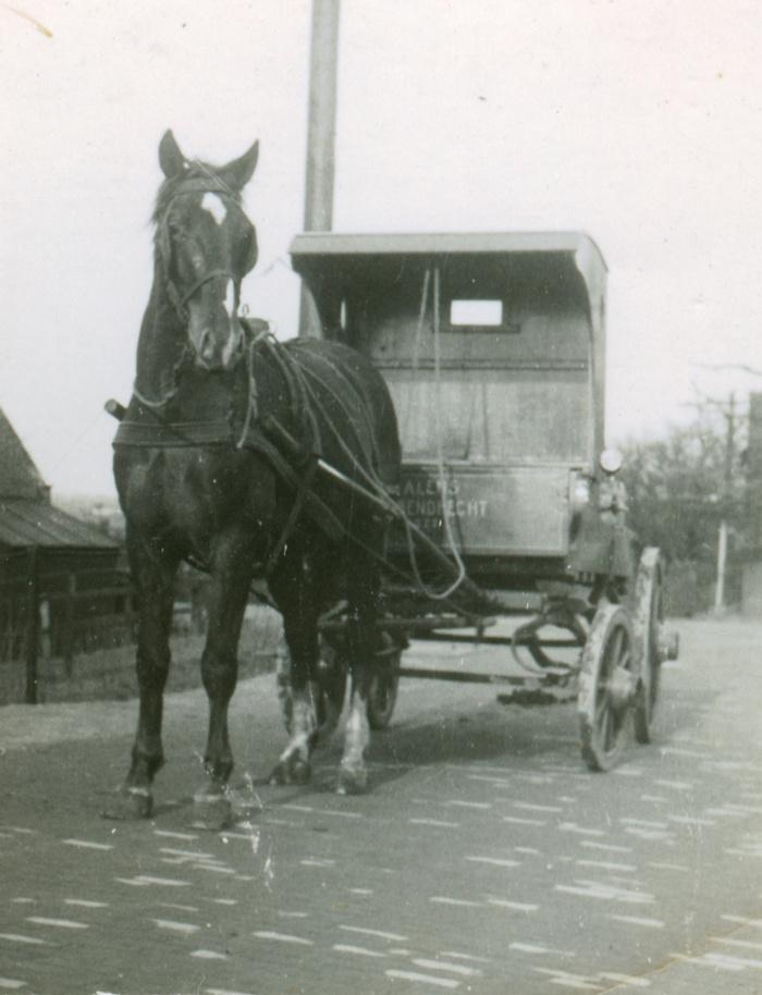 barendrecht-adrie-lems-noldijk-melkboer-omstreeks1938-02