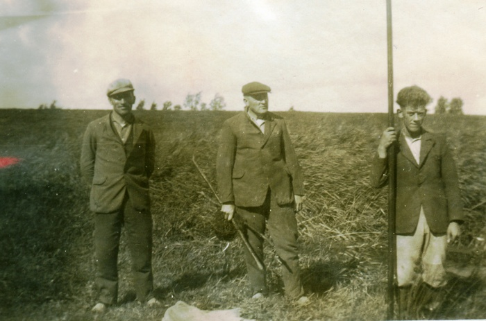 corzonneveld-poldervaart-aartbosman-fuikenzetten-circa-1939