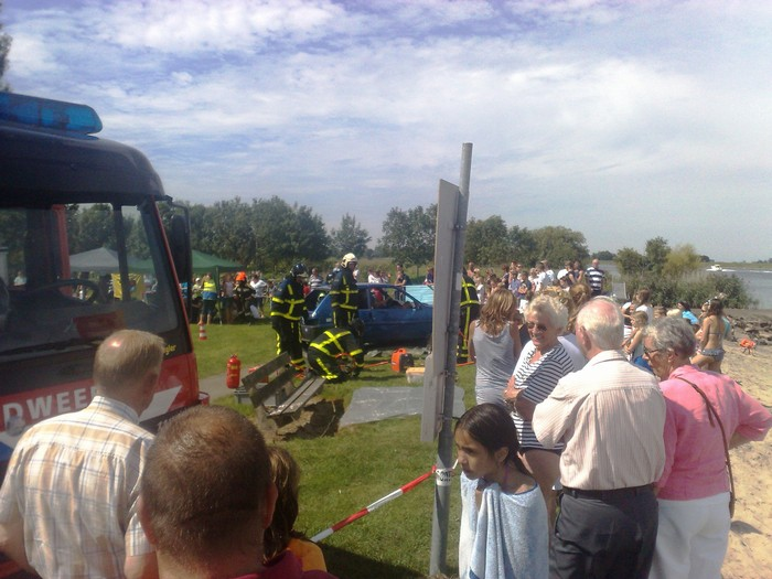 korendijk-brandweer-oefening-20aug2011-13