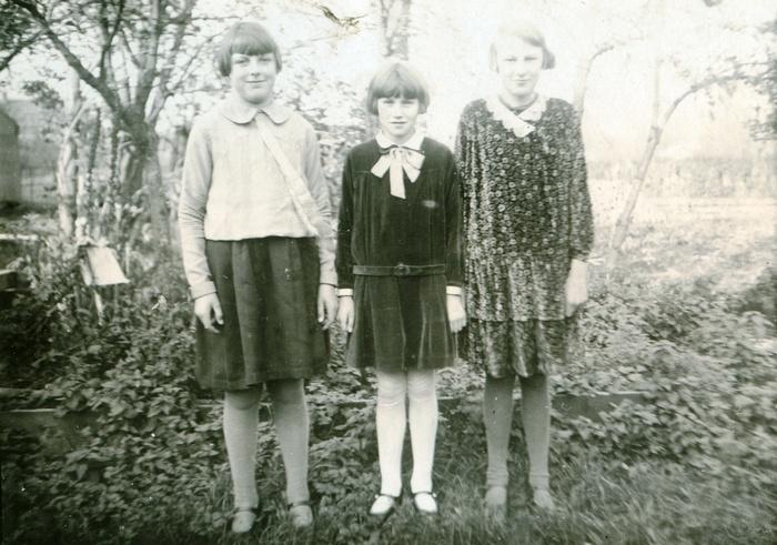 meisjes-achtertuin-rechtsgrietje