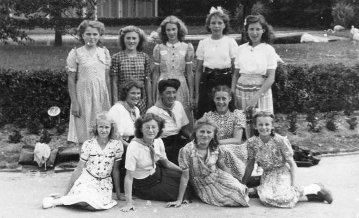 meisjesvereniging-piershil-groepsfoto-pie