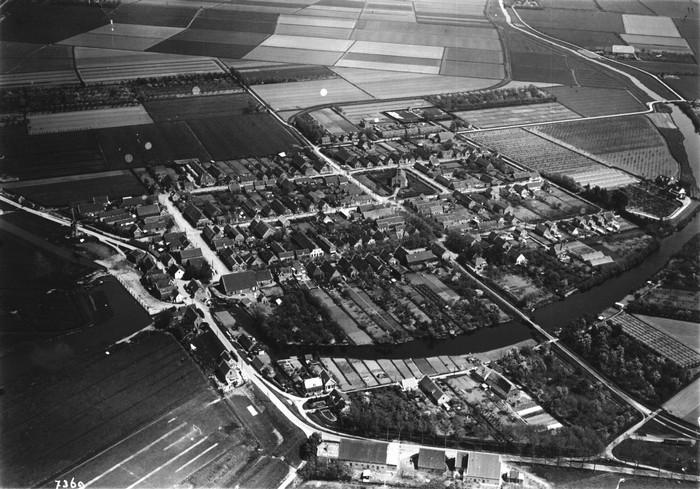 nieuw-beijerland-luchtfoto-omstreeks-1955