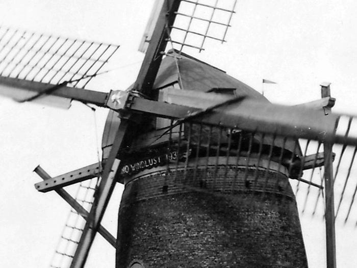 nieuw-beijerland-molen-windlust-uitsnede-circa1950