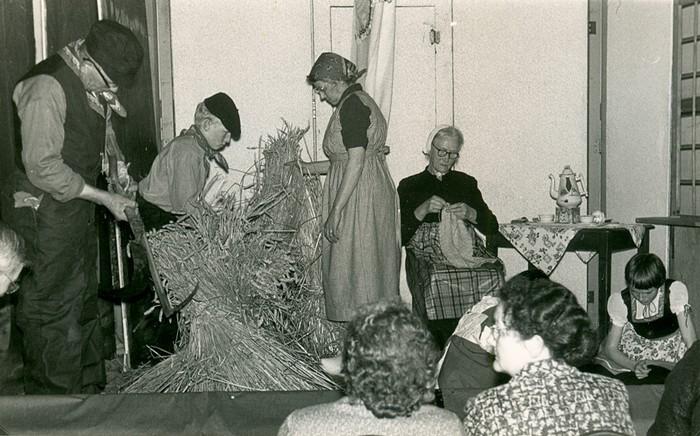 piershil-10jaar-vrouwenvereniging-weesgetrouw-1961-01
