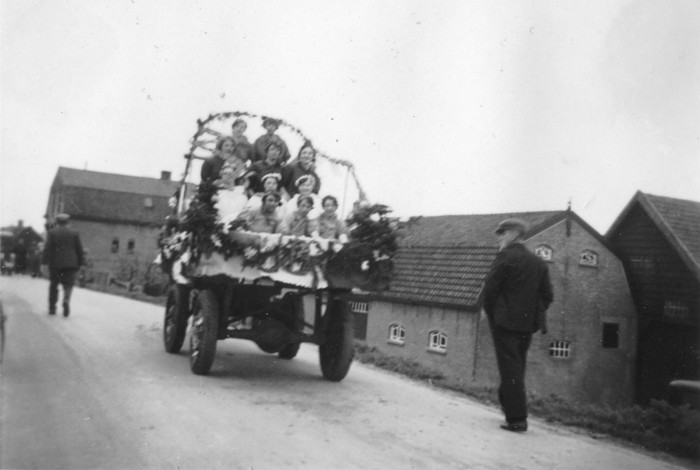 piershil-1937-optocht-03