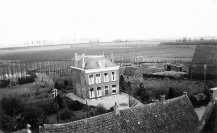piershil-1957-april-pastorie-piershil