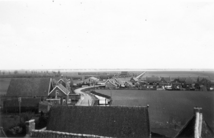 piershil-1957-april-vanuitkerktoren-01