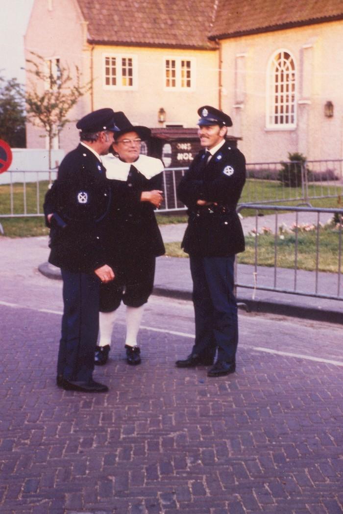 piershil-450-kostuums-politie