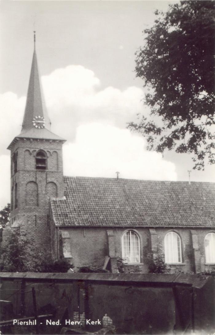 piershil-ansicht-achterberg-serie1-kerk