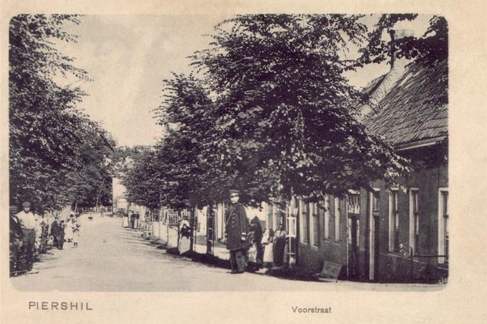 piershil-ansicht-tot1920-voorstraat-02