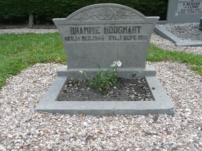 piershil-begraafplaats-brammetje-17mei2011-02