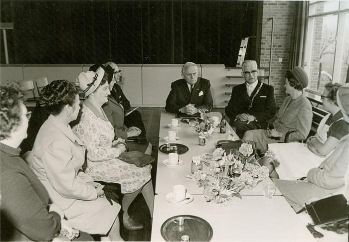 piershil-bezoek-commissaris-1968-07
