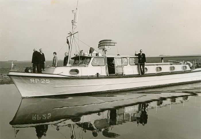 piershil-bezoek-commissaris-1968-08