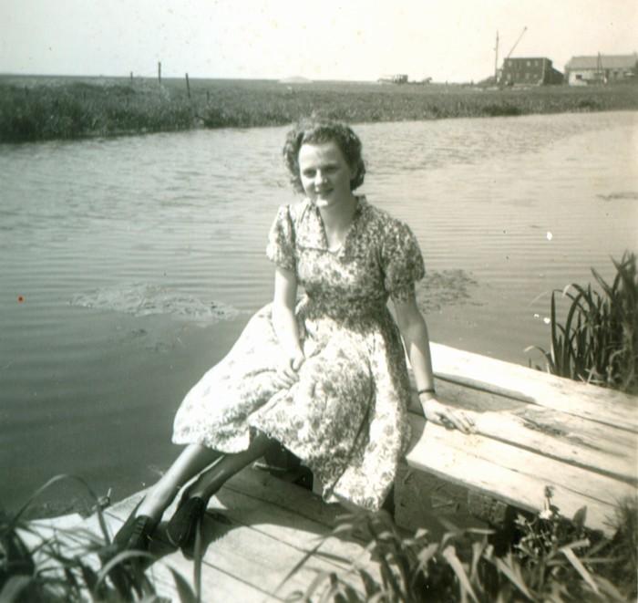 piershil-binnenspui-achtertuinbijl-mei1951