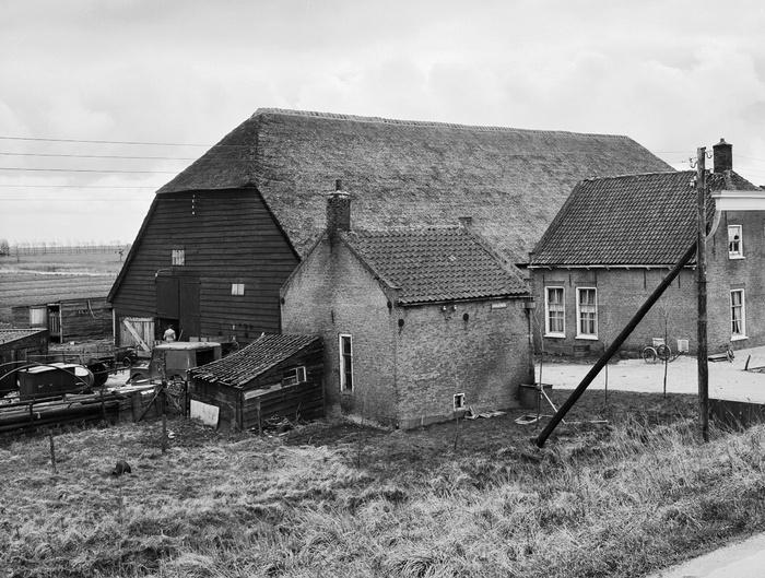 piershil-boerderijrozendaal-steegjesdijk-1968-01
