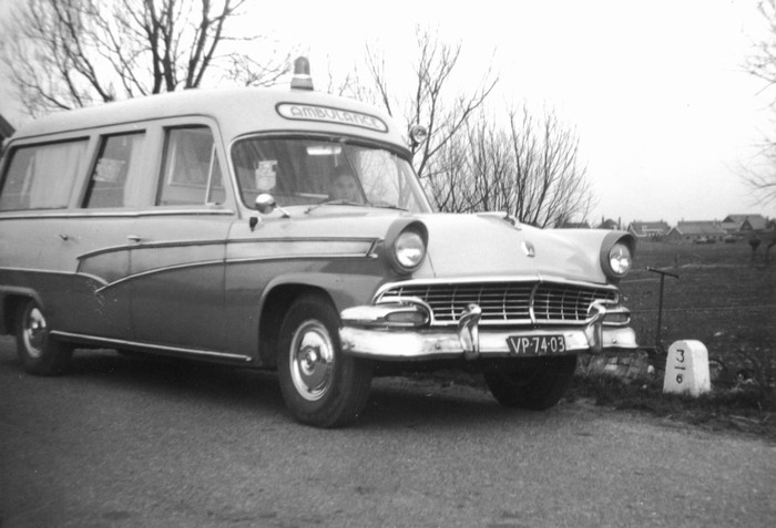 1965 sluisjesdijk 17 taxi en ambulance. Black Bedroom Furniture Sets. Home Design Ideas