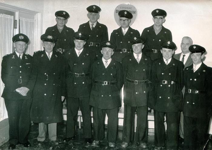 piershil-brandweer-jarenzeventig-groepsfoto