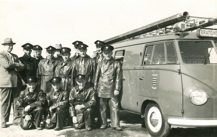 piershil-branweer-vwbus-1mei1954-01