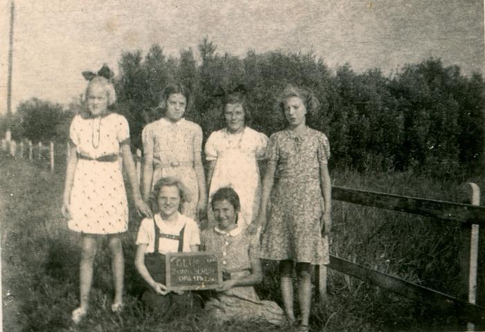 piershil-clubzonneschijn-bijrosmolen-1943