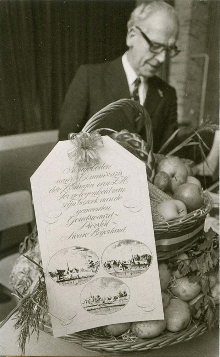 piershil-coomissaris-1976-08