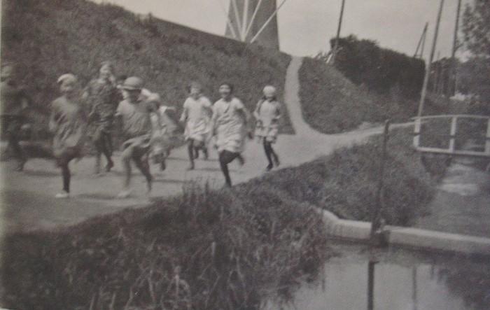 piershil-foto-beatrixstraat-kinderen-1934