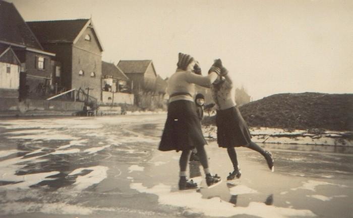 piershil-foto-schaatsen-binnenspui1942-01