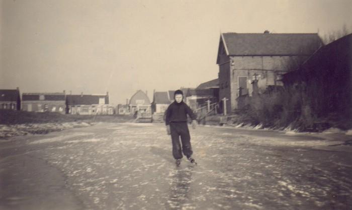 piershil-foto-schaatsen-binnenspui1942-03