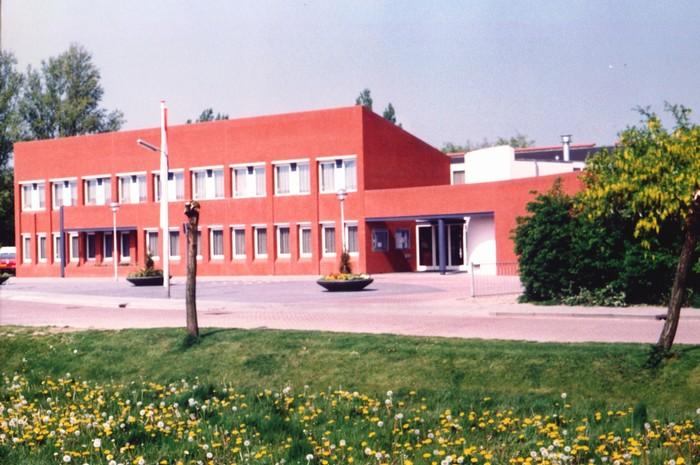 piershil-gemeentehuis-1990