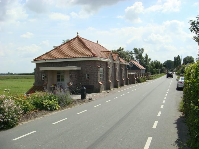 piershil-gereformeerdekerk-woonhuis-2007