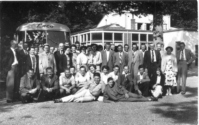piershil-gezelschap-bus-laco-1952