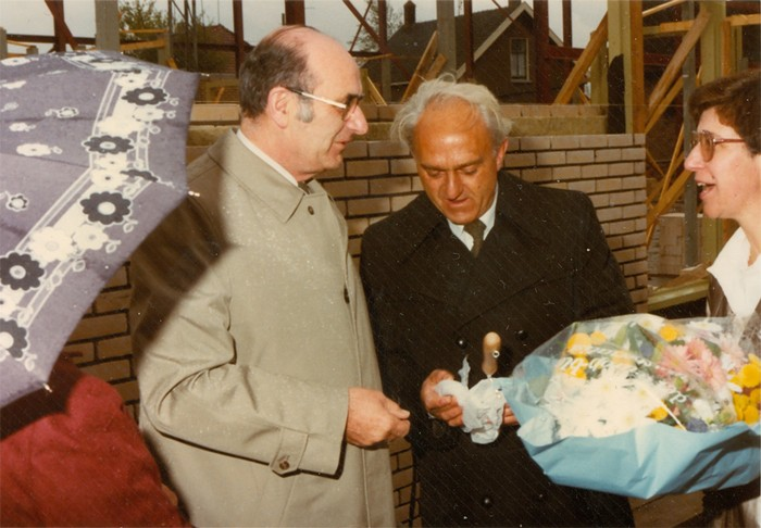 piershil-gymzaal-dewurf-eerstesteen-1983-01