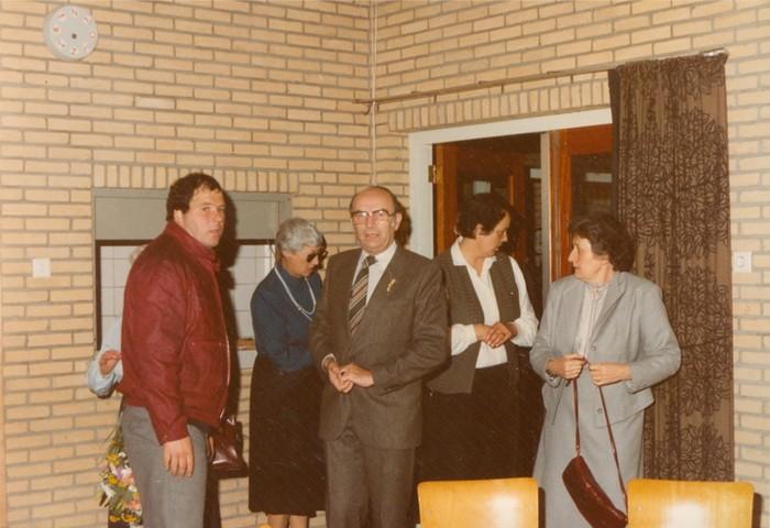 piershil-gymzaal-dewurf-eerstesteen-1983-05