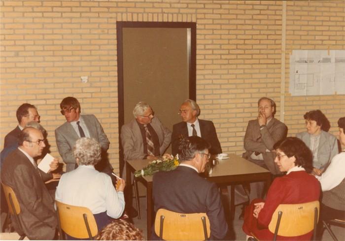 piershil-gymzaal-dewurf-eerstesteen-1983-06