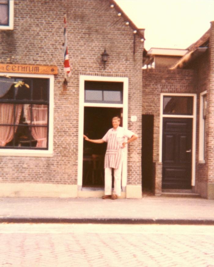 piershil-heropening-cafetaria-1983-02