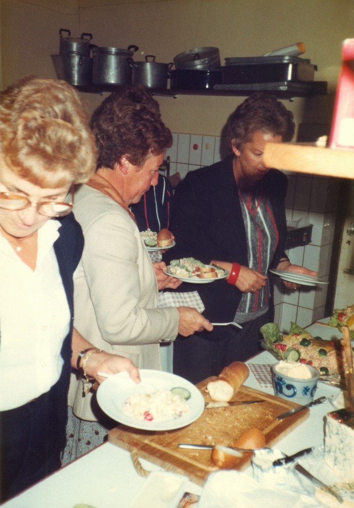 piershil-heropening-cafetaria-1983-08
