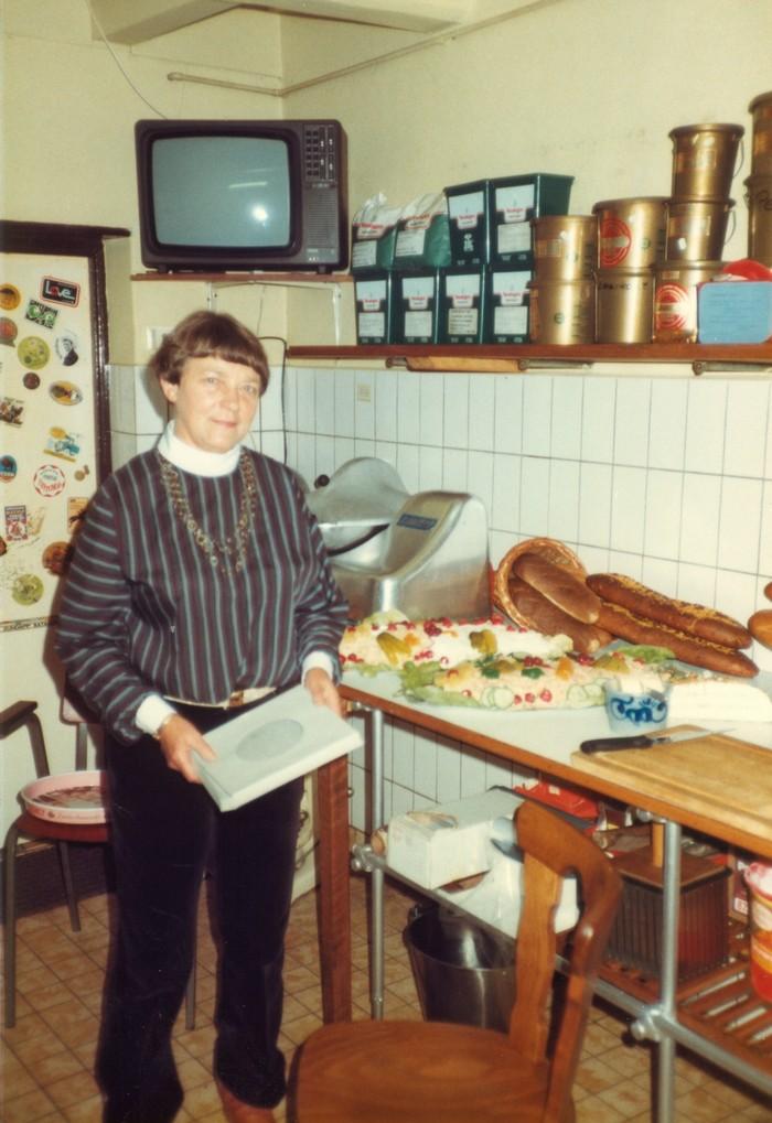 piershil-heropening-cafetaria-1983-09