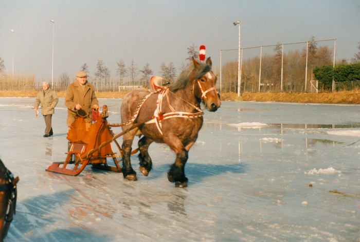 piershil-ijsbaan-ringsteken-februari-1996-01