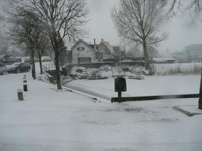 piershil-kade-sneeuw-20dec2009-05