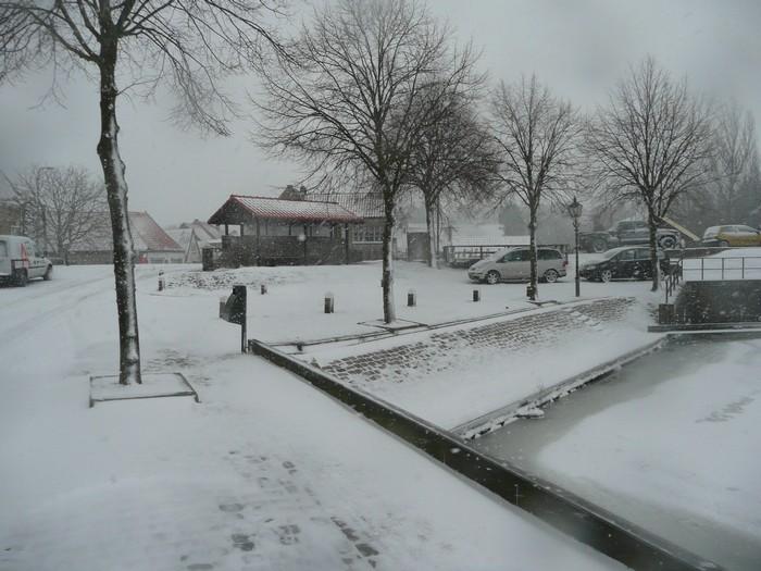 piershil-kade-sneeuw-20dec2009-08