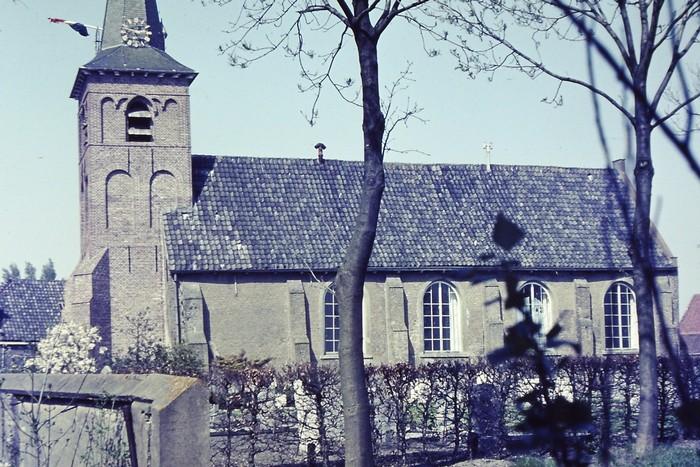 piershil-kerk-27april1968-02