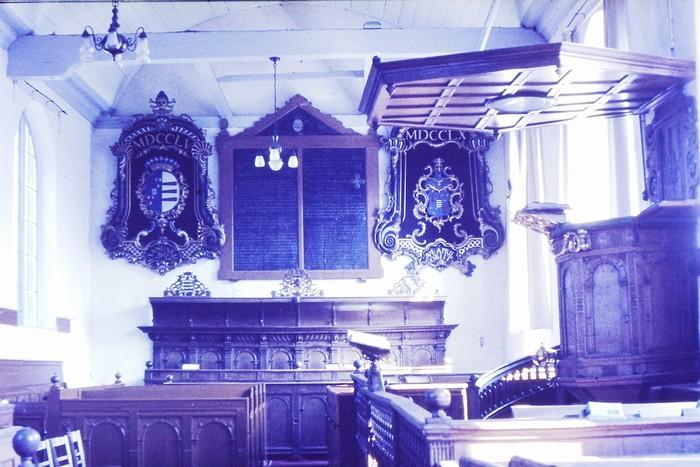 piershil-kerk-mei1968-voorrenovatie-01
