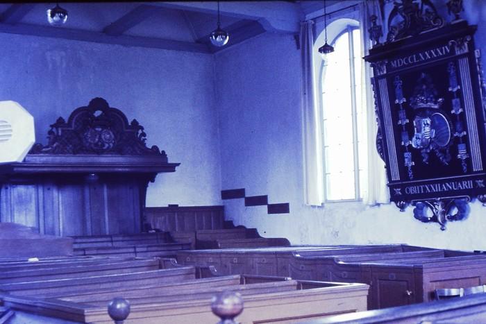 piershil-kerk-mei1968-voorrenovatie-02