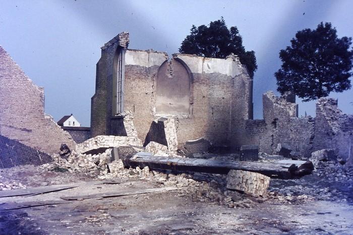 piershil-kerk-zomer-1969-04