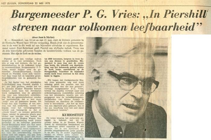 piershil-knipsel-burgemeester-vries-22mei1975-01