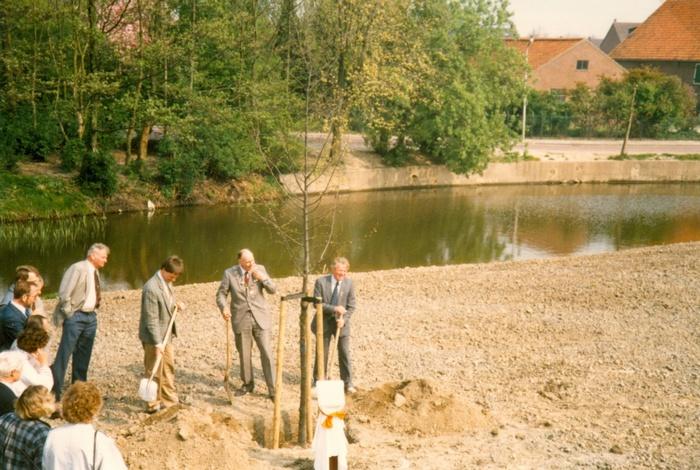 piershil-koningin-beatrix-boom-aanplant-30april1988-02