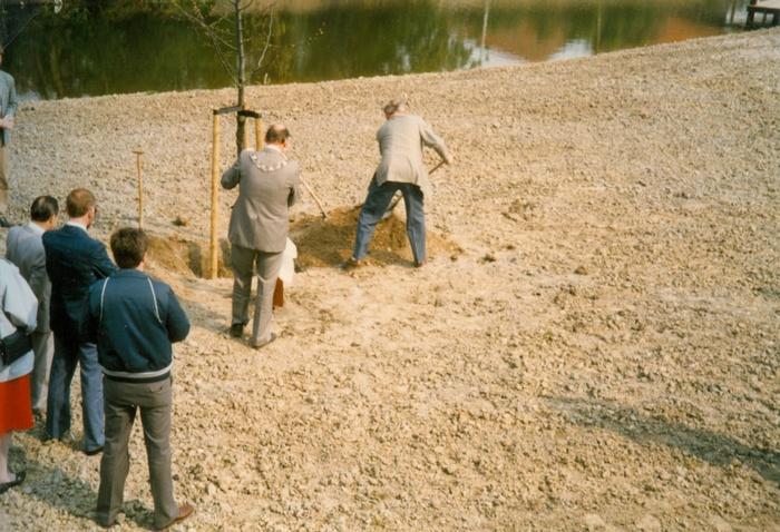 piershil-koningin-beatrix-boom-aanplant-30april1988-03