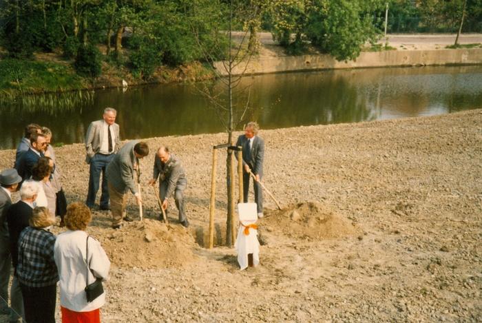 piershil-koningin-beatrix-boom-aanplant-30april1988-04